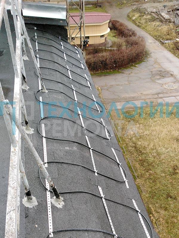 Монтаж греющего кабеля на кровле ПАО «Россети»